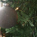 DIY-Betonlook-kerstballen-kerstboom-industriele-kerstdecoratie-industrieel-interieur-7