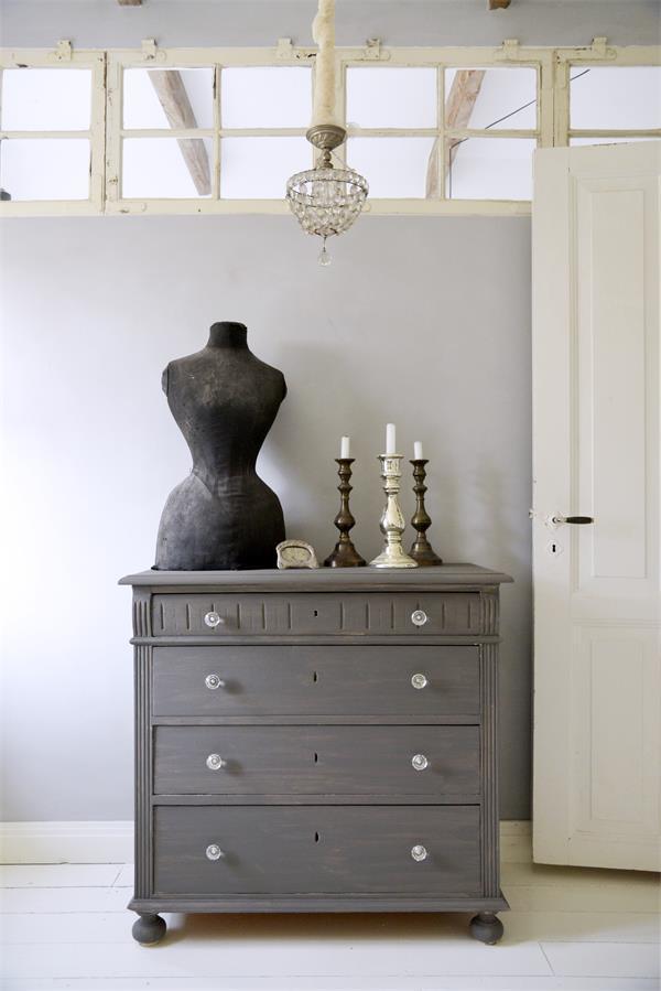 Grijze-krijtverf-french-grey-kleuren-krijtverf-grijze-kast-krijtverf