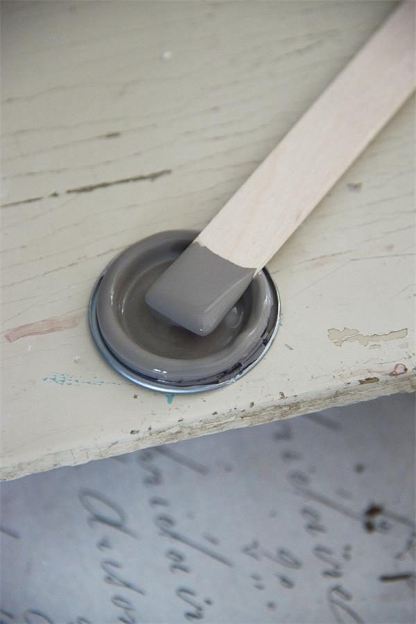 Grijze-krijtverf-krijtverf-grijs-dark-powder-krijtverf-aanbrengen-krijtverf-verven-krijtverf-kast-krijtverf-mat