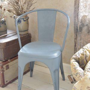 Blauwe-tolix-stoel-metalen-stoel-industrieel-interieur-1