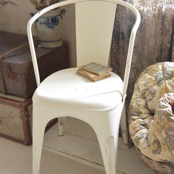 Witte-tolix-stoel-metalen-stoel-industrieel-interieur