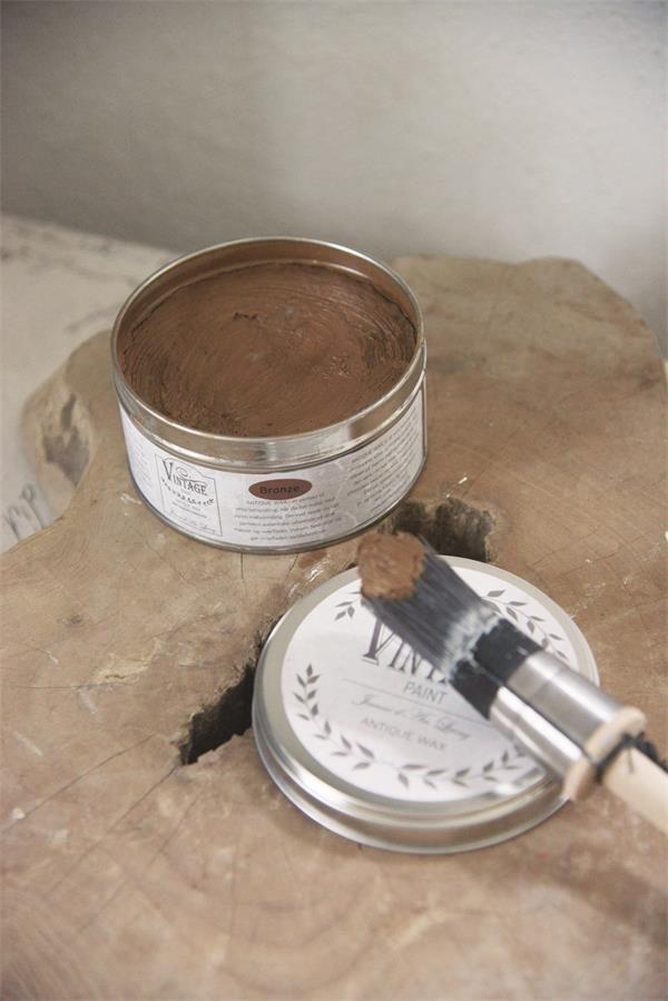 wax aanbrengen op krijtverf-krijtverf lakken-matte lak over krijtverf-krijtverf aflakken-krijtverf afwerken-krijtverf beschermlaag-krijtverf beschermen-wax gebruiken-krijtverf wax-wax krijtverf-wax aanbrengen-wax aanbrengen op krijtverf-krijtverf en wax-wax over krijtverf-wax voor krijtverf bruine wax bronze