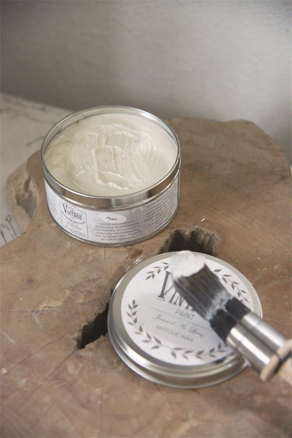 wax aanbrengen op krijtverf-krijtverf lakken-matte lak over krijtverf-krijtverf aflakken-krijtverf afwerken-krijtverf beschermlaag-krijtverf beschermen-wax gebruiken-krijtverf wax-wax krijtverf-wax aanbrengen-wax aanbrengen op krijtverf-krijtverf en wax-wax over krijtverf-wax voor krijtverf parelmoer wax glanzend