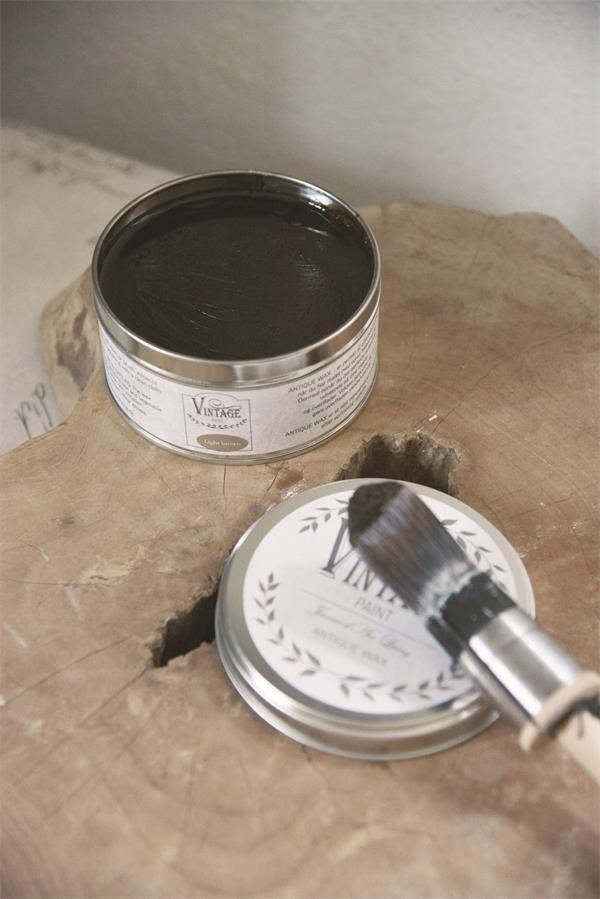 wax aanbrengen op krijtverf-krijtverf lakken-matte lak over krijtverf-krijtverf aflakken-krijtverf afwerken-krijtverf beschermlaag-krijtverf beschermen-wax gebruiken-krijtverf wax-wax krijtverf-wax aanbrengen-wax aanbrengen op krijtverf-krijtverf en wax-wax over krijtverf-wax voor krijtverf bruine wax