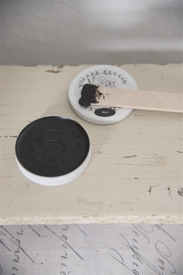 wax aanbrengen op krijtverf-krijtverf lakken-matte lak over krijtverf-krijtverf aflakken-krijtverf afwerken-krijtverf beschermlaag-krijtverf beschermen-wax gebruiken-krijtverf wax-wax krijtverf-wax aanbrengen-wax aanbrengen op krijtverf-krijtverf en wax-wax over krijtverf-wax voor krijtverf-zwarte-wax