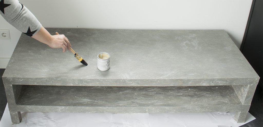 DIY-Betonlook-tv-meubel-betonlook-verf-betonlook-meubels-betonlook-verf-aanbrengen-1