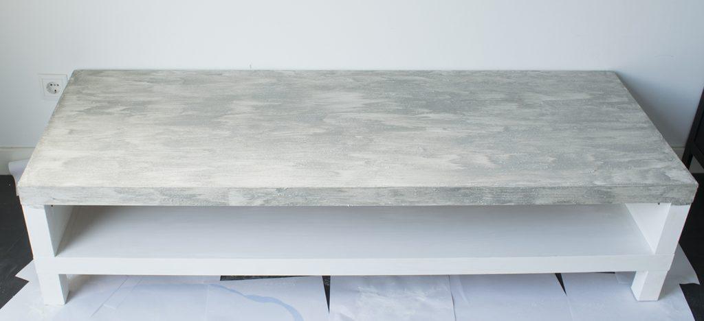 DIY-Betonlook-tv-meubel-betonlook-verf-betonlook-meubels-betonlook-verf-aanbrengen-stap-5