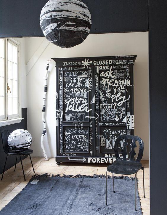 krijtverf-krijtverf aanbrengen-krijtverf muur-verven met krijtverf-zwarte krijtverf-krijtverf zwart-krijtverf meubels-krijtverf kopen-meubels verven met krijtverf