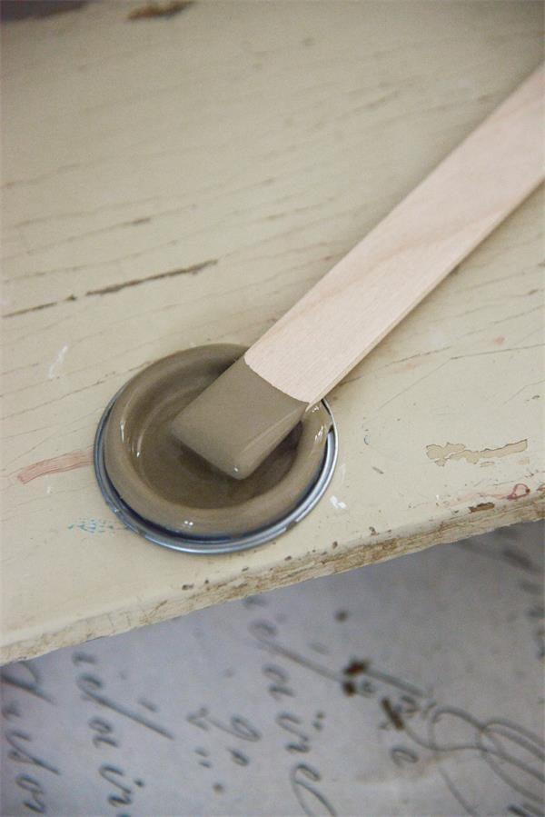 Bruine-krijtverf-vintage-brown-krijtverf-bruin-krijtverf-aanbrengen-krijtverf-meubels-krijtverf-kast-krijtverf-muur
