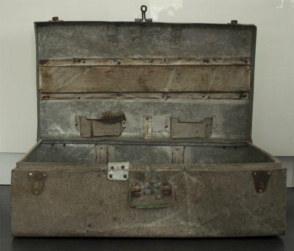 Industriele-metalen-koffer-box-foto-voorkant-open