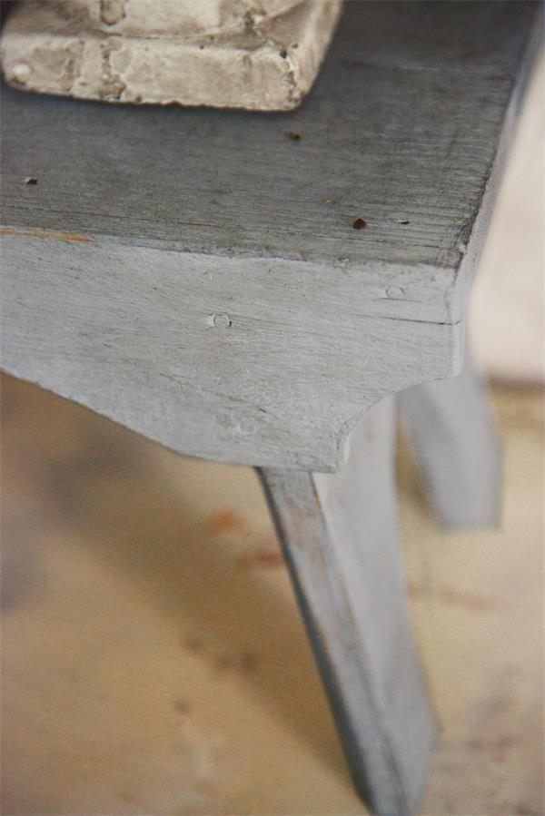 Grijze-krijtverf-old-grey-kleuren-krijtverf-grijze-kast-krijtverf-grijs