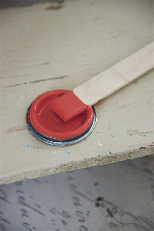 Rode-krijtverf-Warm-red
