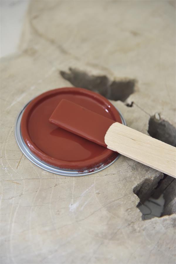 Rode-krijtverf-rusty-red