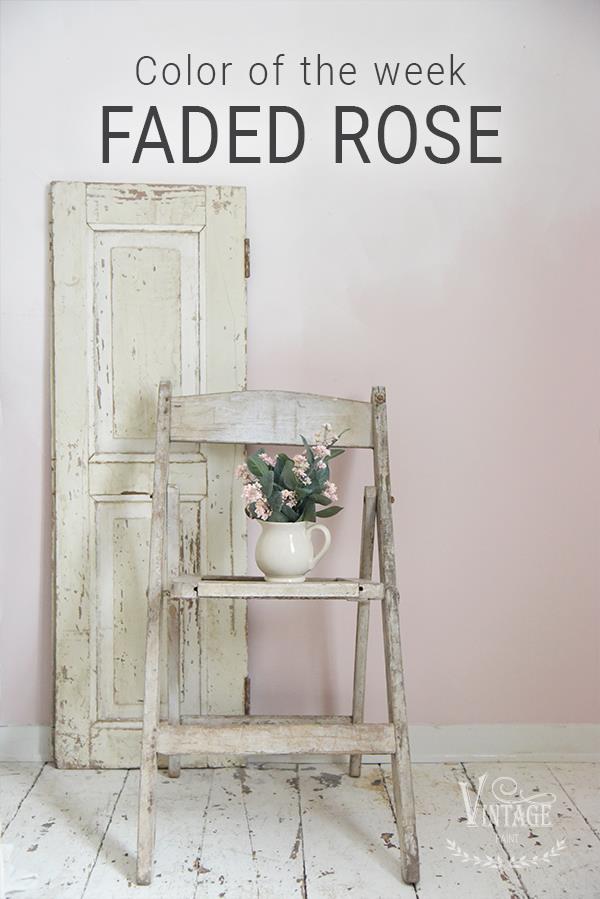 Roze-krijtverf-pastel-roze-faded-roze-krijtverf-aanbrengen-romantisch-industrieel-interieur-krijtverf-meubels-krijtverf-muur-woonkamer