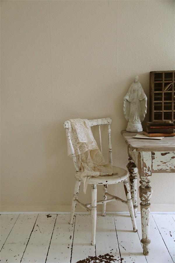 Witte-krijtverf-beige-krijtverf-vintage-cream
