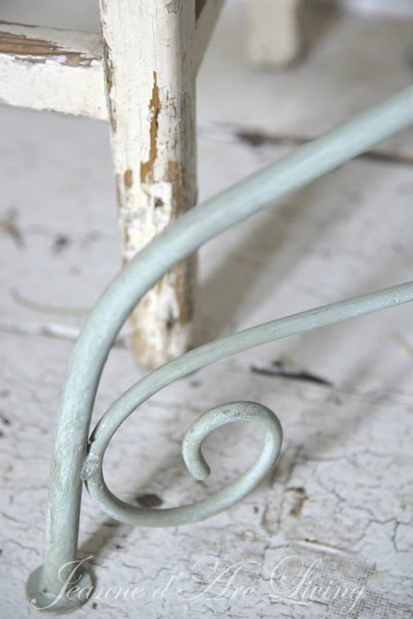 Krijtverf-DIY-lockerkast-opknappen-verven-kast-verven-krijtverf-6b-min