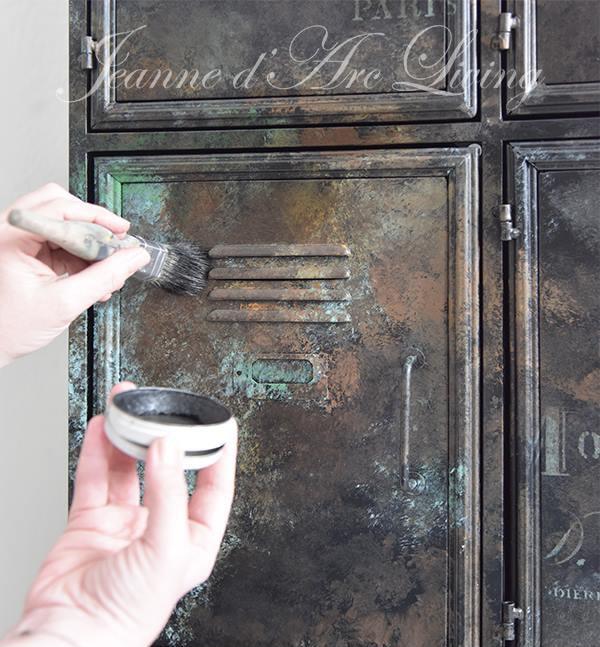 Krijtverf-DIY-lockerkast-opknappen-verven-kast-verven-krijtverf-wax-1-min