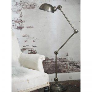 Metalen lamp industriële lamp stoere tafellamp Jieldé lamp metalen wandlamp industriële wandlamp industriële vloerlamp