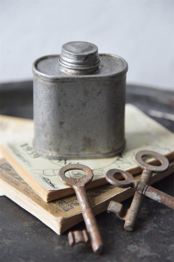 Metalen-industriele-accessoire-stoere-decoratie-metalen-woonaccessoires-metalen-decoratie-industrieel-interieur