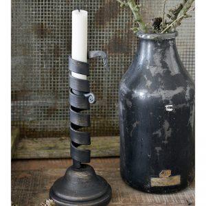 Metalen-kandelaar-industriele-kandelaar-kaarshouder-metalen-industriele-woonaccessoires-stoere-decoratie