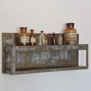 Metalen-plank-industriele-wanddecoratie-metalen-wandplank