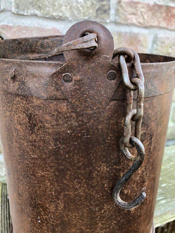 Planten-basket-aan ketting-Roestkleur