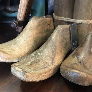 oude-houten-schoenleest