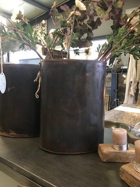 metalen vintage vaas