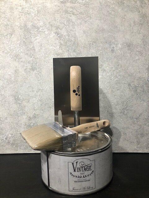 GRATIS handgeverfde sample Betonlook verf-Mist-Primer wit 5 x 5