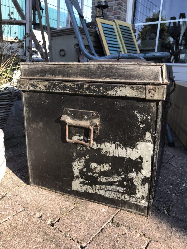 Metalen Vintage kist